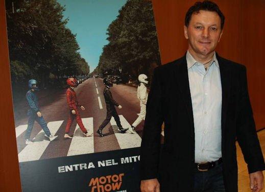 Stelle, campioni e vip al Motorshow di Bologna - Foto 20 di 23