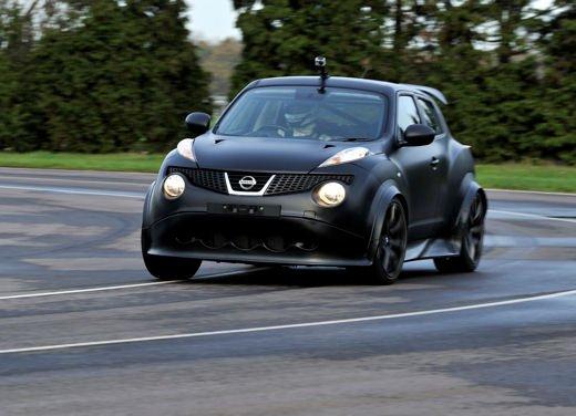 Nissan Juke R, debutto in pista - Foto 2 di 11
