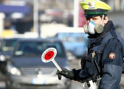 Blocco del traffico in fascia verde a Roma lunedì 7 gennaio 2013 - Foto 2 di 9