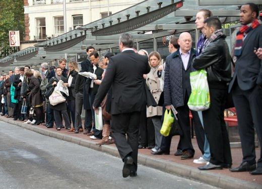 Sciopero Trenitalia e Autobus del 12 dicembre, ecco gli orari - Foto 1 di 6