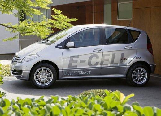 Mercedes Classe A E-Cell con ricarica induttiva senza cavo - Foto 11 di 16