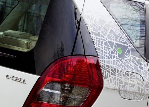 Mercedes Classe A E-Cell con ricarica induttiva senza cavo - Foto 9 di 16