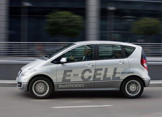 Mercedes Classe A E-Cell con ricarica induttiva senza cavo - Foto 1 di 16
