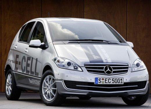 Mercedes Classe A E-Cell con ricarica induttiva senza cavo - Foto 7 di 16