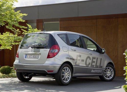 Mercedes Classe A E-Cell con ricarica induttiva senza cavo - Foto 5 di 16