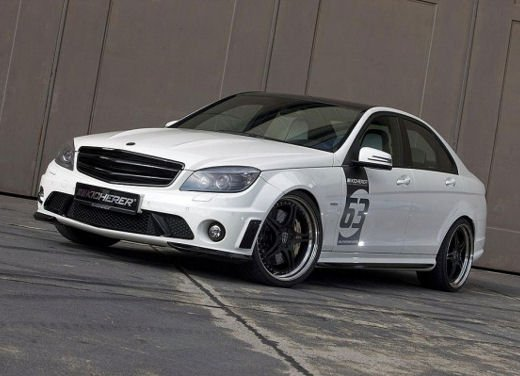 Mercedes-Benz C63 AMG White Edition - Foto 4 di 10