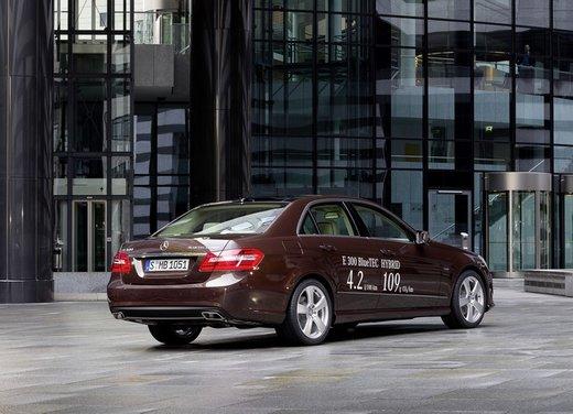 Mercedes E 300 BlueTEC HYBRID - Foto 2 di 11