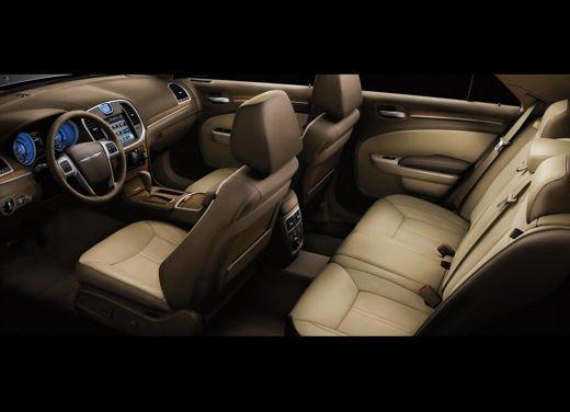 Nuova Chrysler 300 Luxury Edition - Foto 11 di 14