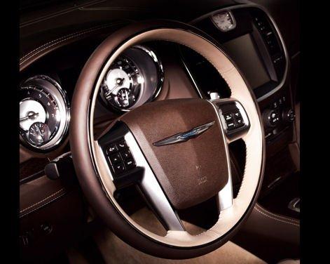 Nuova Chrysler 300 Luxury Edition - Foto 3 di 14