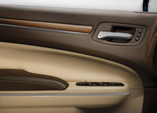 Nuova Chrysler 300 Luxury Edition - Foto 9 di 14
