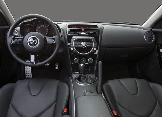 Mazda RX-8 Spirit R - Foto 16 di 17