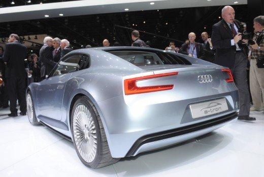Audi R8 e-Tron confermata la produzione nel 2012 - Foto 8 di 14