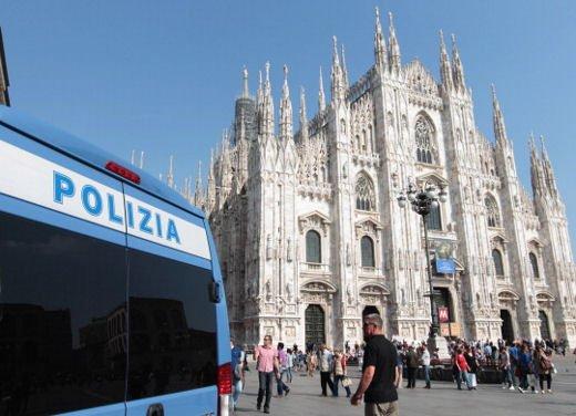 Domenica a piedi e blocco del traffico a Milano il 25 marzo 2012 - Foto 3 di 13