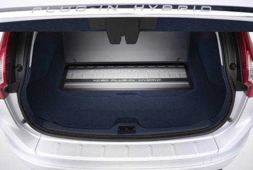 Volvo XC60 ibrida plug-in Concept - Foto 18 di 36