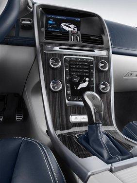 Volvo XC60 ibrida plug-in Concept - Foto 29 di 36