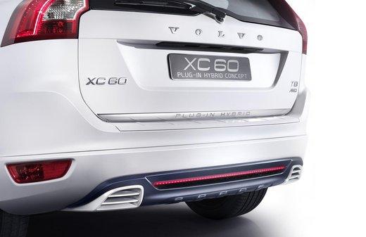 Volvo XC60 ibrida plug-in Concept - Foto 20 di 36