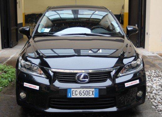 Lexus CT 200h: prova su strada della prima ibrida compatta premium