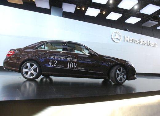Mercedes E 400 Hybrid - Foto 2 di 11