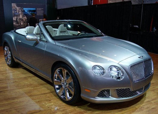 Nuova Bentley Continental GTC V8 - Foto 16 di 19