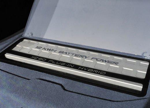 Volvo XC60 ibrida plug-in Concept - Foto 4 di 36