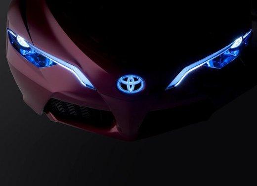 Toyota NS4 Plug-In Hybrid Concept - Foto 18 di 24
