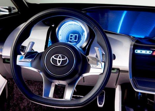 Toyota NS4 Plug-In Hybrid Concept - Foto 19 di 24