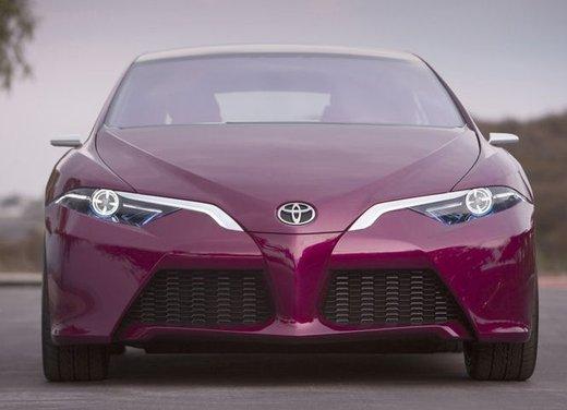 Toyota NS4 Plug-In Hybrid Concept - Foto 22 di 24