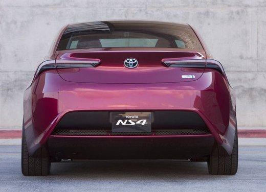 Toyota NS4 Plug-In Hybrid Concept - Foto 23 di 24
