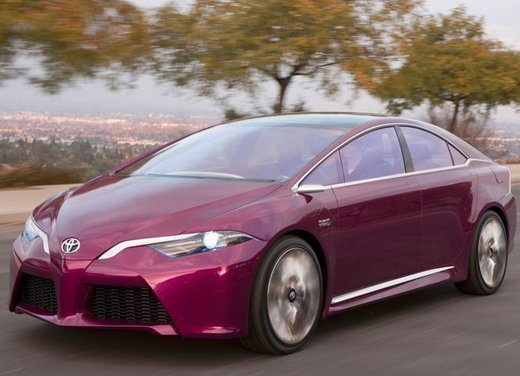 Toyota NS4 Plug-In Hybrid Concept - Foto 13 di 24