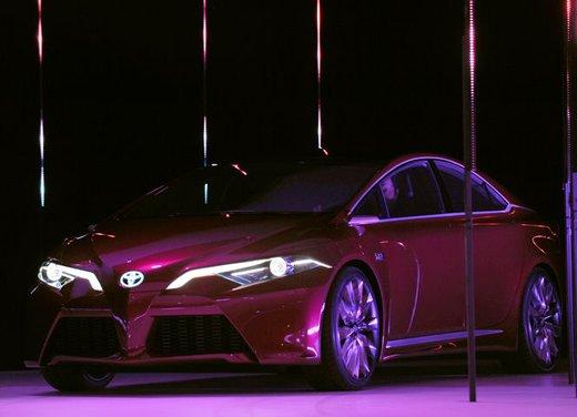 Toyota NS4 Plug-In Hybrid Concept - Foto 7 di 24