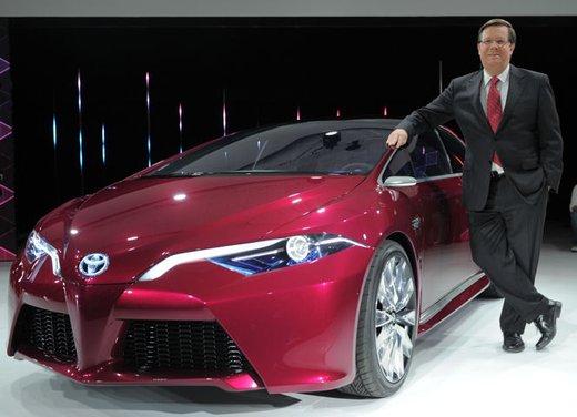 Toyota NS4 Plug-In Hybrid Concept - Foto 8 di 24