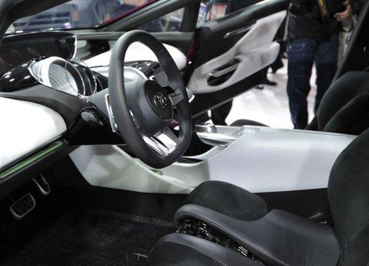 Toyota NS4 Plug-In Hybrid Concept - Foto 11 di 24