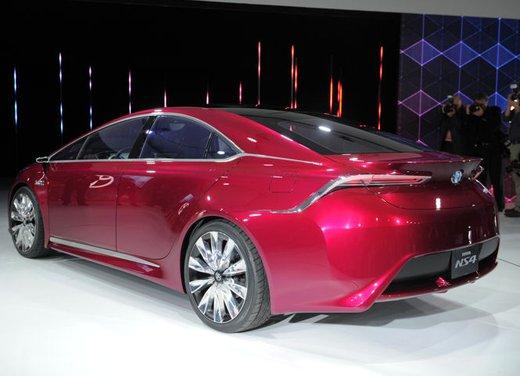 Toyota NS4 Plug-In Hybrid Concept - Foto 9 di 24