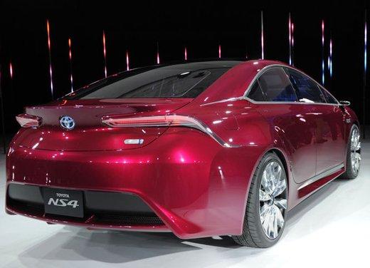 Toyota NS4 Plug-In Hybrid Concept - Foto 6 di 24