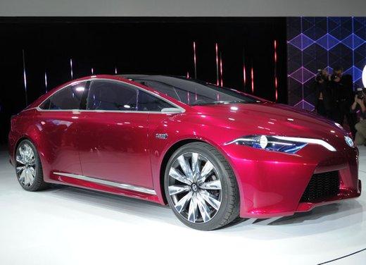 Toyota NS4 Plug-In Hybrid Concept - Foto 2 di 24