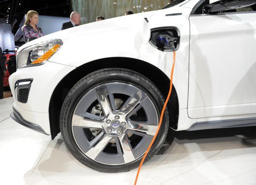 Volvo XC60 ibrida plug-in Concept - Foto 9 di 36