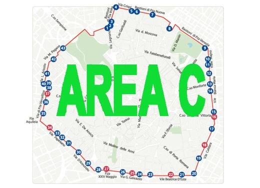 Area C al via a Milano lunedì 16 gennaio tra le proteste - Foto 2 di 6