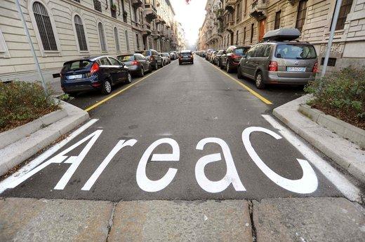 Area C al via a Milano lunedì 16 gennaio tra le proteste - Foto 3 di 6