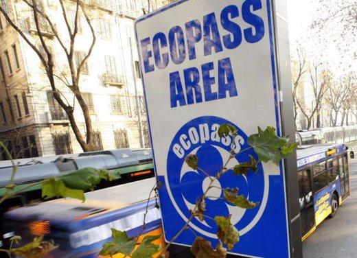 Area C al via a Milano lunedì 16 gennaio tra le proteste - Foto 5 di 6