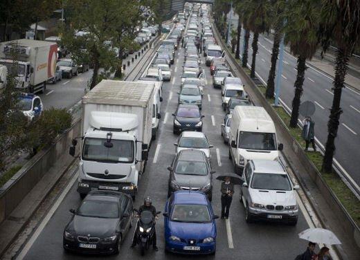 Sicilia bloccata da tre giorni dallo sciopero dei Tir causa aumento gasolio - Foto 8 di 8