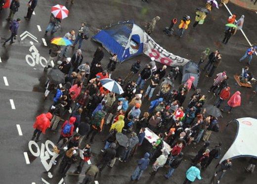 Sicilia bloccata da tre giorni dallo sciopero dei Tir causa aumento gasolio - Foto 3 di 8