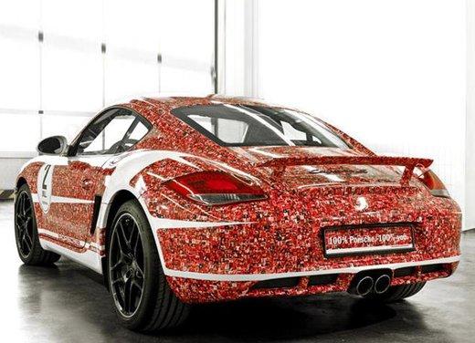 Porsche Cayman S per festeggiare 2 milioni di fan su Facebook - Foto 3 di 10