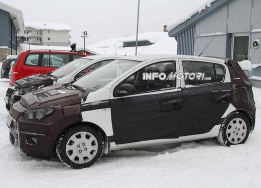 Hyundai i20, le foto degli interni del restyling 2012 - Foto 9 di 18