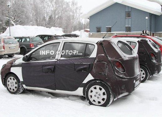 Hyundai i20, le foto degli interni del restyling 2012 - Foto 10 di 18