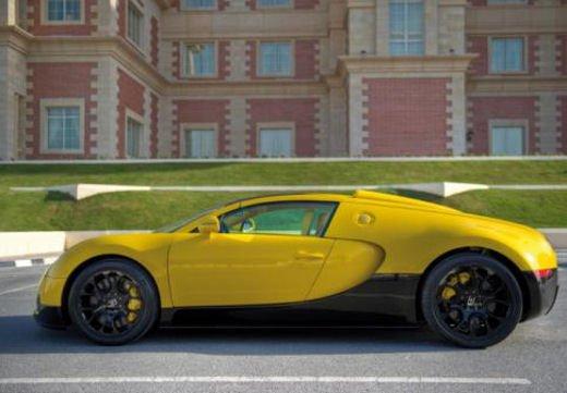Bugatti Veyron Grand Sport Special Edition al Qatar Motor Show - Foto 10 di 17