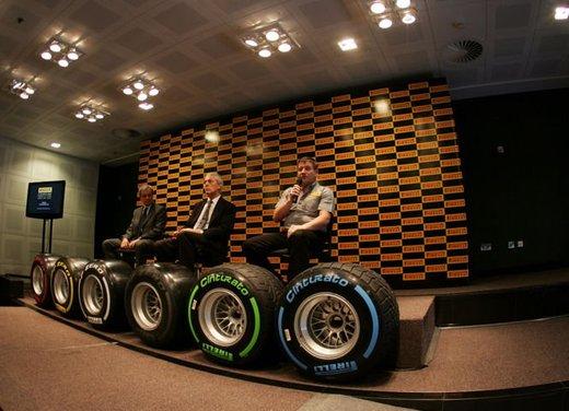 F1 2012: il GP di Abu Dhabi dal punto di vista dei Pirelli P Zero - Foto 8 di 48