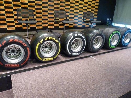 Pirelli P Zero e Pirelli Cinturato i pneumatici della Formula 1 2012 - Foto 13 di 16