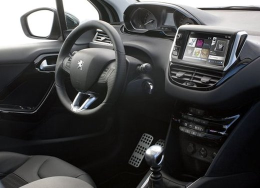 Peugeot 208 Access 3 porte con motore 12V 1.0 VTi da 68 CV a 11.650 € - Foto 26 di 48