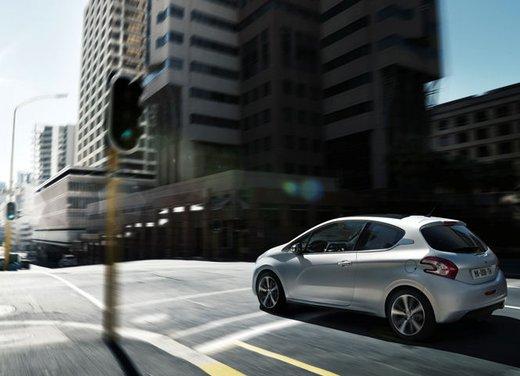 Peugeot 208 Access 3 porte con motore 12V 1.0 VTi da 68 CV a 11.650 € - Foto 31 di 48