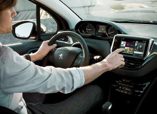 Peugeot 208 Access 3 porte con motore 12V 1.0 VTi da 68 CV a 11.650 € - Foto 34 di 48